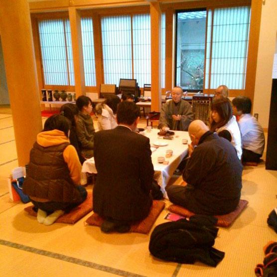 西林寺坐禅会でお茶